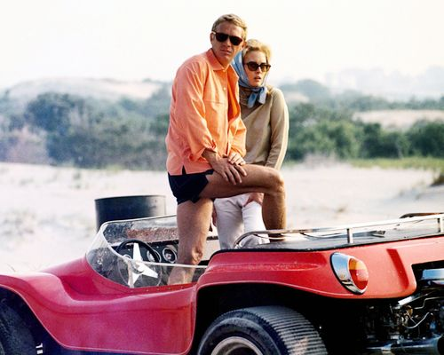 Steve McQueen (1930-1980), US actor, and Faye Dunaway, US actress, posing in an open-top car in a publicity image issued for the film, 'The Thomas Crown Affair', USA, 1968. The crime drama, directed by Norman Jewison, starred McQueen as 'Thomas Crown' and Dunaway as 'Vicki Anderson'. (Photo by Silver Screen Collection/Getty Images)
